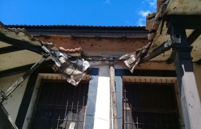 Se desplomó el techo del anexo de Neonatología del Perrando