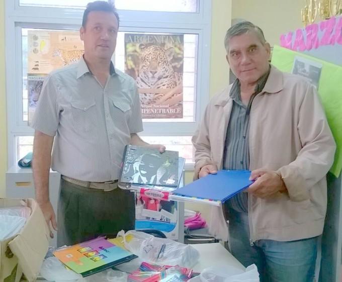 Entrega de Útiles Escolares en Fuerte Esperanza 2016