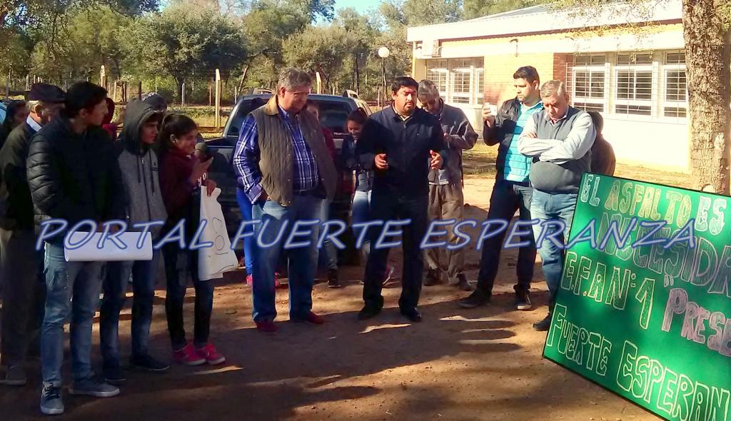 Walter Correa: El Intendente que acompañó a su Pueblo en el pedido por la Pavimentación