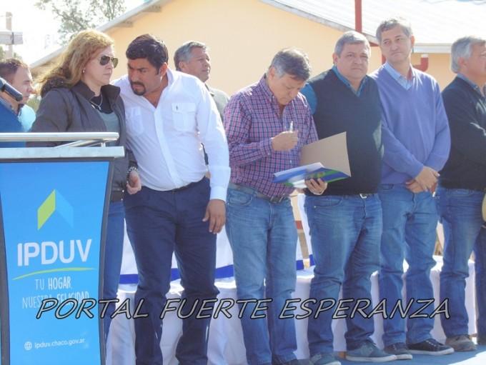 Inauguración de B° 15 viviendas en Fuerte Esperanza