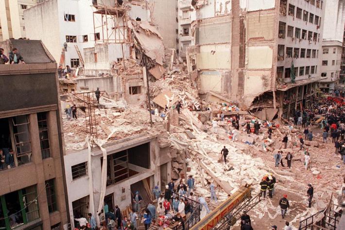 A 26 años del atentado a la AMIA, la masacre que dejó 85 muertos y sigue impune