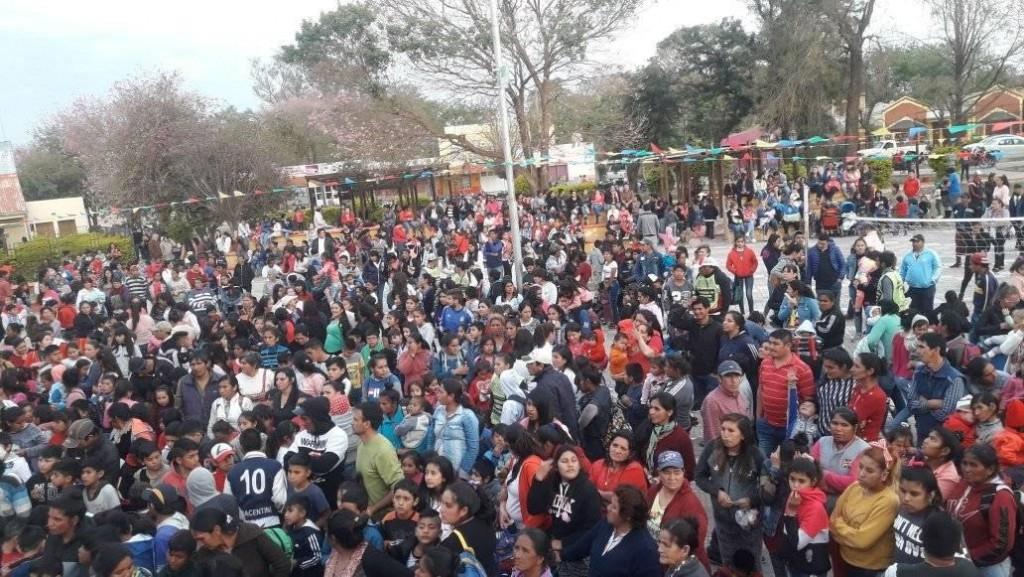 Miraflores: Rafael Frías Colapsó la Plaza Central | Día del Niño