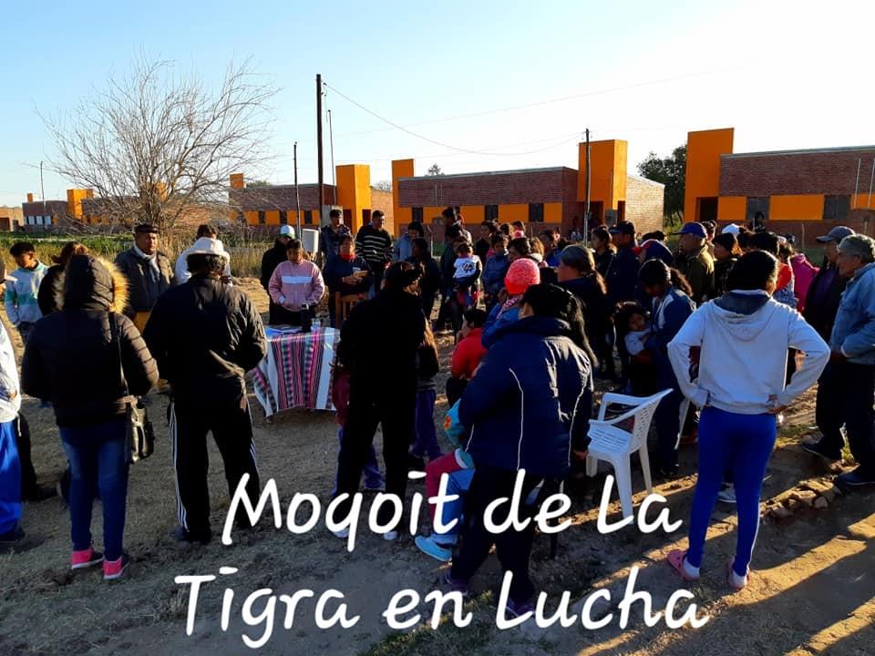 Acampe de Familias Moqoit en Lote 12 Barrio Aborigen de La Tigra