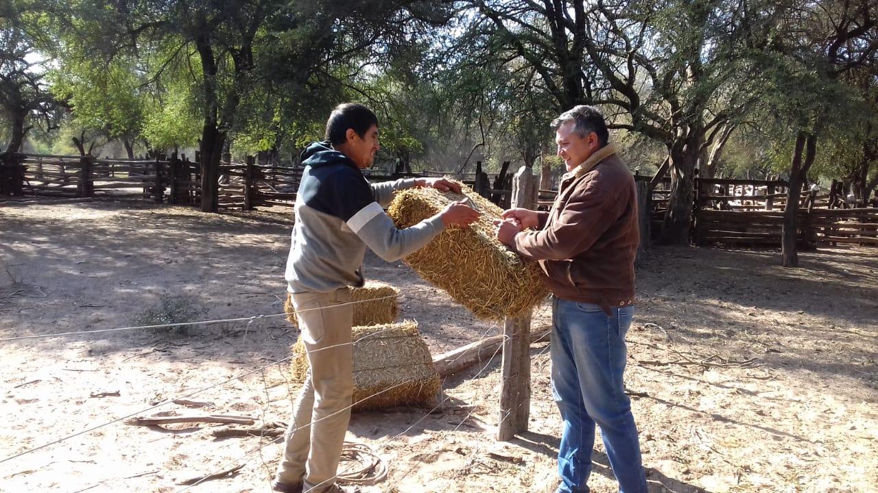 El Impenetrable: Berna Santillán asistiendo a los Productores que enfrentan la sequía de la zona
