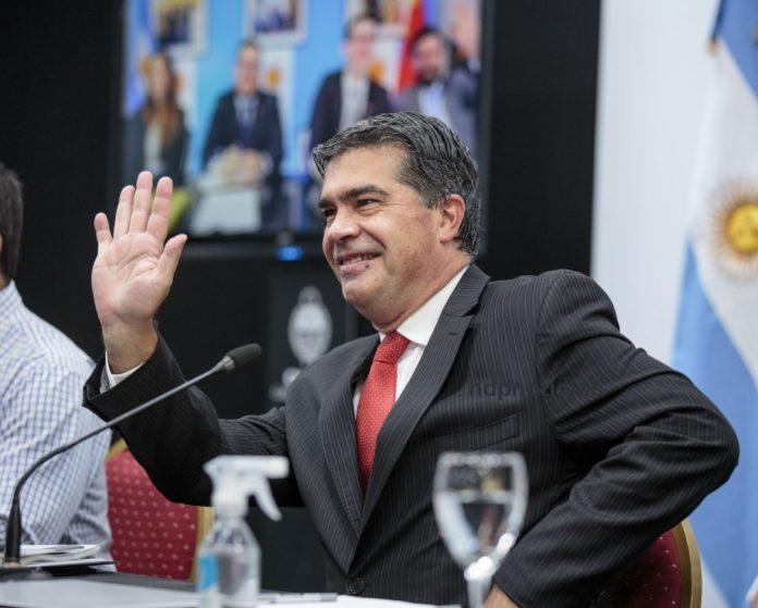 """Capitanich volvió generoso: ya quintuplicó las """"ayudas económicas"""" de sus 2 primeros mandatos"""
