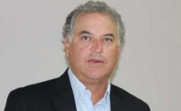 Domínguez quiere que Capitanich prohíba que se candidateen parientes
