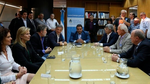Se firmó el primer acuerdo laboral luego de los anuncios de Mauricio Macri