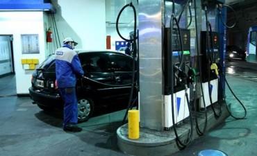 YPF bajó el precio de la nafta a partir de la medianoche